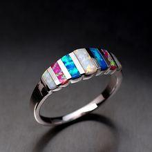 Большое Радужное кольцо с опалом голубое белое розовое цветное