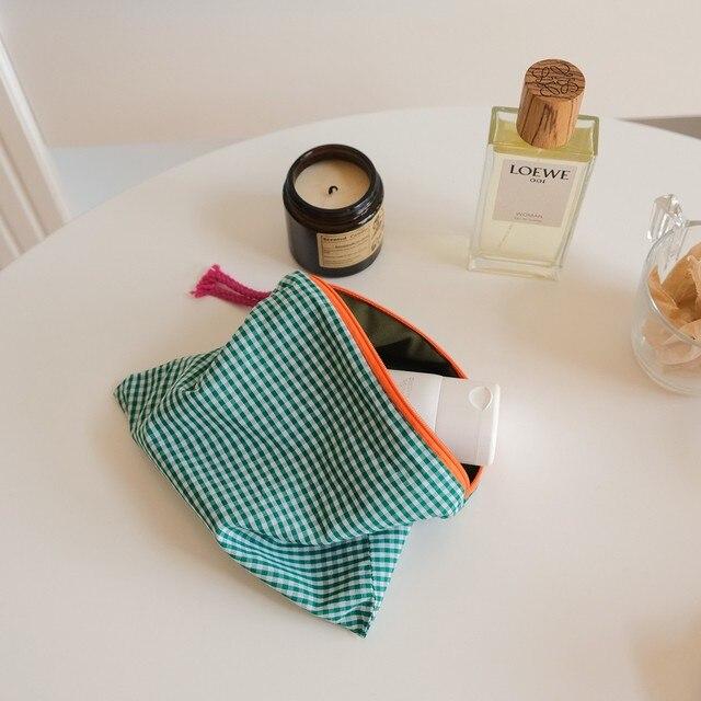 женская клетчатая косметичка модная хлопковая сумочка на молнии фотография