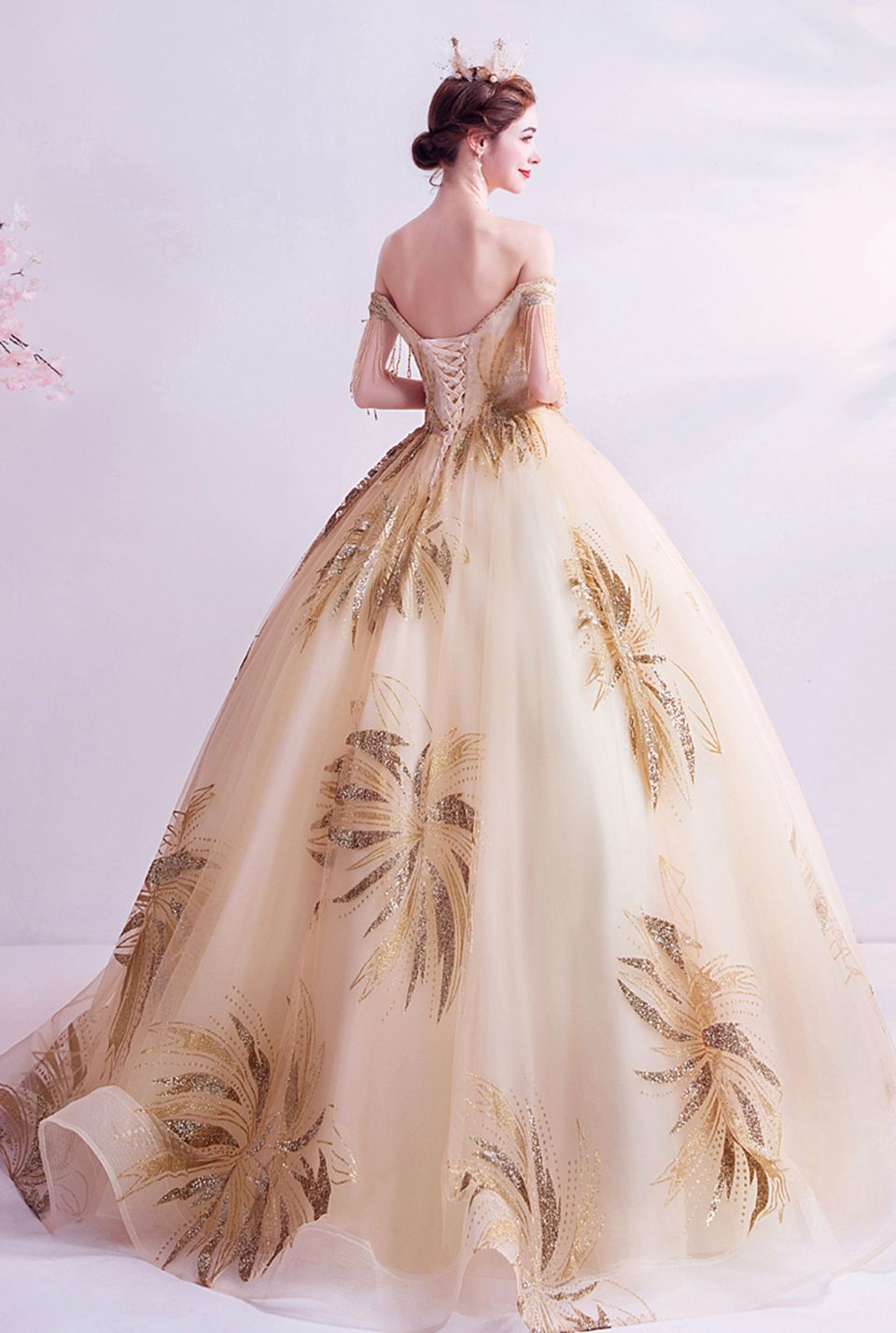 Gold Ball Gown Quinceanera Dresses 2020 Elegant Party Night Prom Gowns Women Off Shoulder Boat Neck Formal Long Robe De Soiree