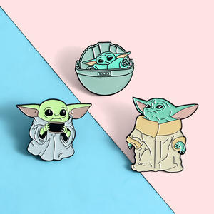 Lapel Pins Brooches Badges Science-Fiction Movies Wholesale Jewelry Master-Yoda Baby