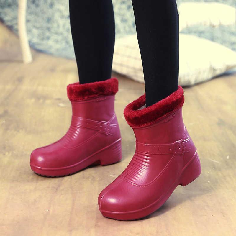 PVC stivali da pioggia di moda a basso tubo con stivali da pioggia slittare di usura delle signore Martin scarpe di acqua glassato caldo impermeabile stivali da pioggia