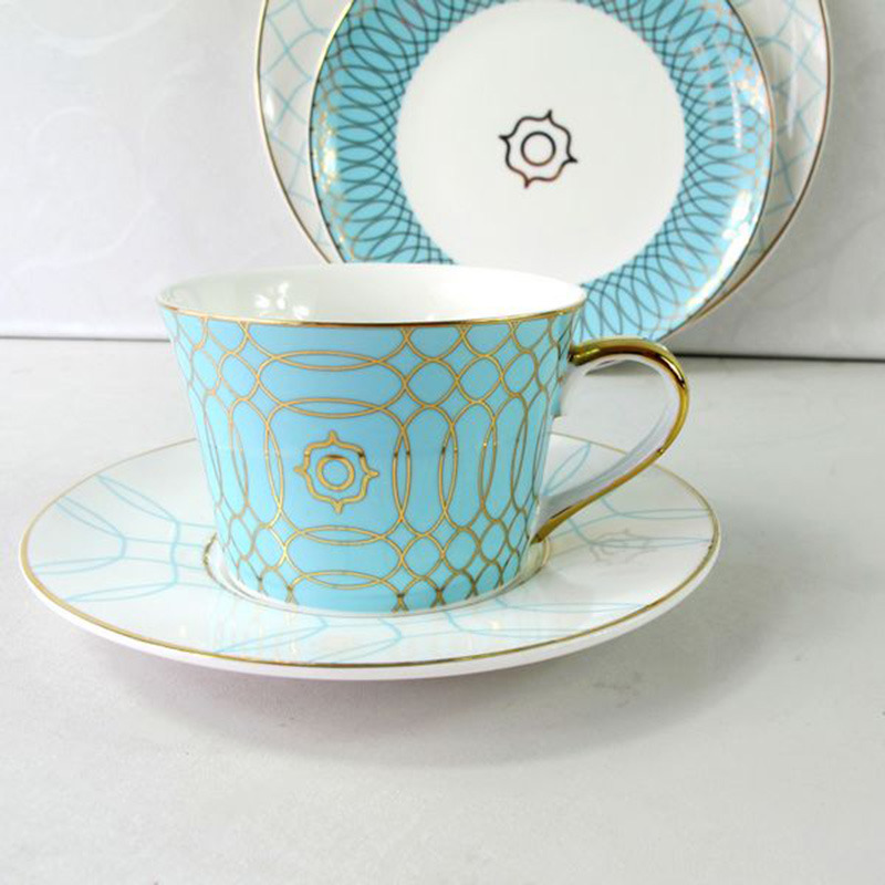 Top Grade Bone China Coffee Cup Creative European Tea Cup Set And Saucer Home Party Afternoon Tea Teacup Porcelain
