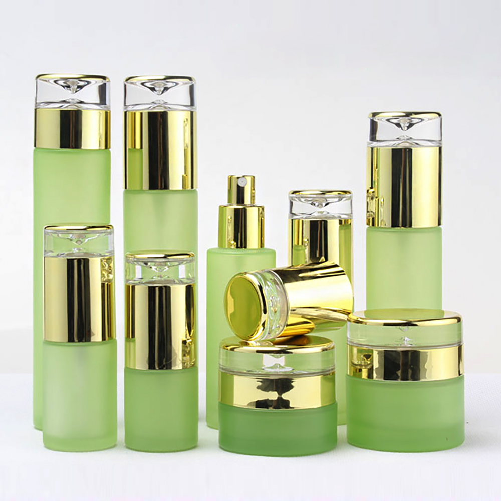 60ml Luxury Green Cosmetic Glass Lotion Bottle Cosmetic Packaging With Golden Plastic Cap Empty 30ml Glass Spray Bottles