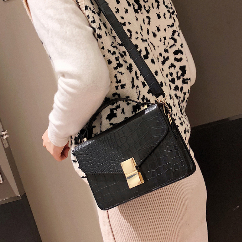 2019 New Women's Bag Fashion One-shoulder Bag Hand-held Stiletto Bag Women's Bag Comfortable Fashion