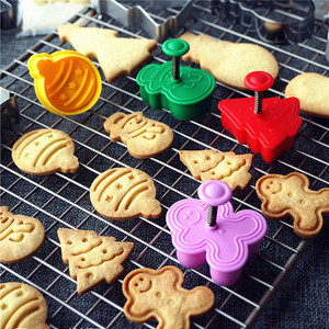 4pcs Stamp Biscuit Mold 3D Cookie Plunger Cutter Pastry Decorating DIY Food Fondant Baking Mould Tool Christmas Tree Snowman(China)