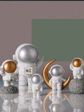 Creative astronaut spaceman model Resin Craft fairy garden miniatures figurines home decoration accessories for living room(China)