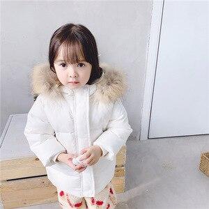 Image 3 - 2019 dzieci jesień i zima nowe dzieci biały puch kaczy dół kurtki dla dziewczynek średnim i długim prawdziwa wełna kołnierz płaszcz