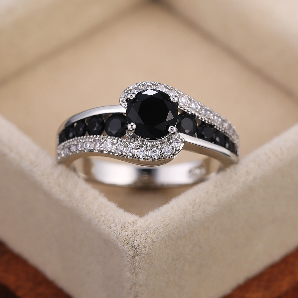 Huitan Special interest Black Stone Women Wedding Ring Dazzling Crystal Zircon Delicate Gift Top Quality Female Classic Jewelry