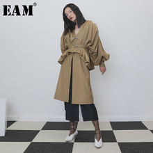 [EAM] Women Pleated Removable Big Size Trench New V-collar Batwing Sleeve Loose