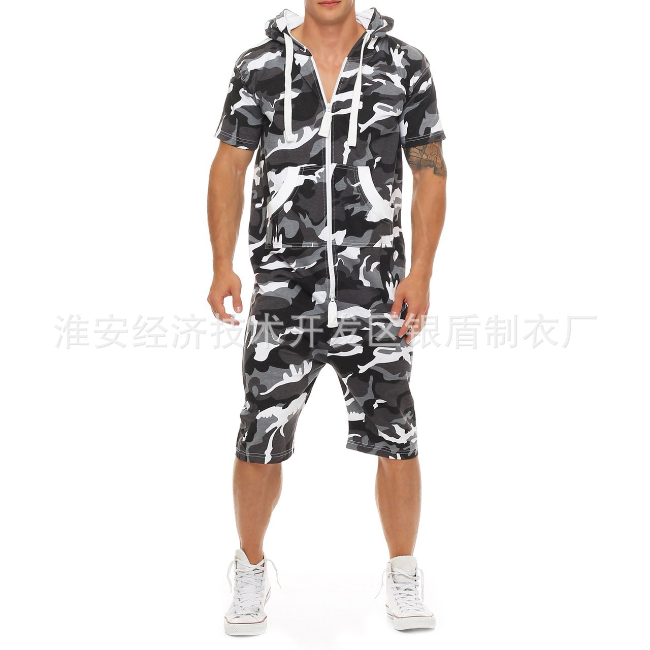2019 Men's Europe And America Camouflage One-piece Casual Outdoor Sports Hooded Pajama Set Men's