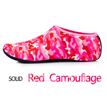 Camouflage red sock