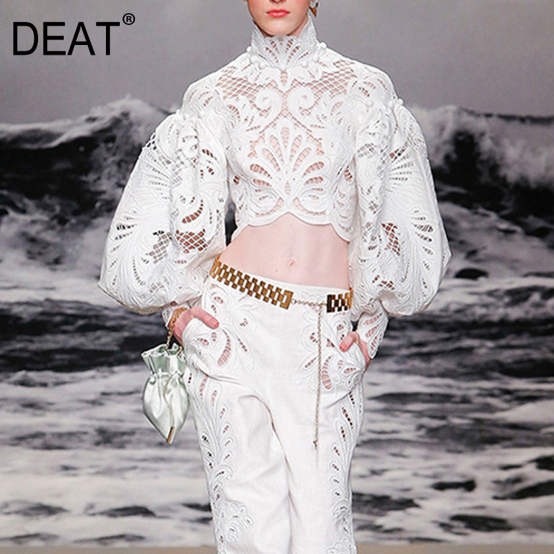 DEAT 2020 New Spring And Summer Vacation Turtleneck Puff Sleeves Lace Hollow Out High Waist Short Shirt Female Blouse WK27301L