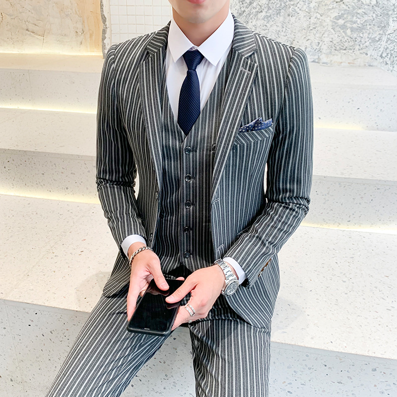 2020 Men's New Suit Youth Striped Business Casual Professional Suit Three Pieces