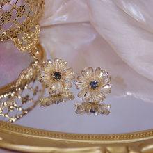 Серьги гвоздики с фианитами женские изысканные ювелирные украшения