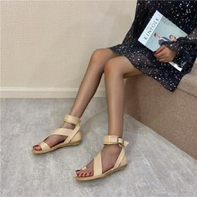 2020 summer new retro clip toe buckle flat heel sandals fashion wild casual Roman female open Z975