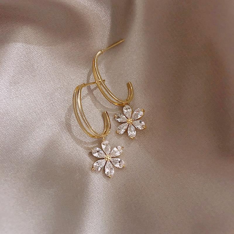 2019 New Arrival Crystal Trendy Plant Women Dangle Earrings Sweet Zircon Petal Earrings Bohemian Drop Earrings Jewelry Earrings