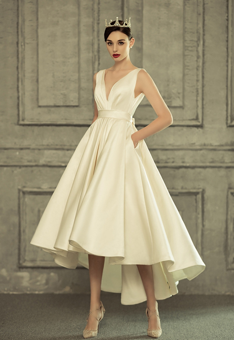 Fashion Summer Boho Ivory Wedding Dress 2020 Sexy White Wedding Gowns Women V Neck Satin Backless Bow Formal Bride Dresses Party