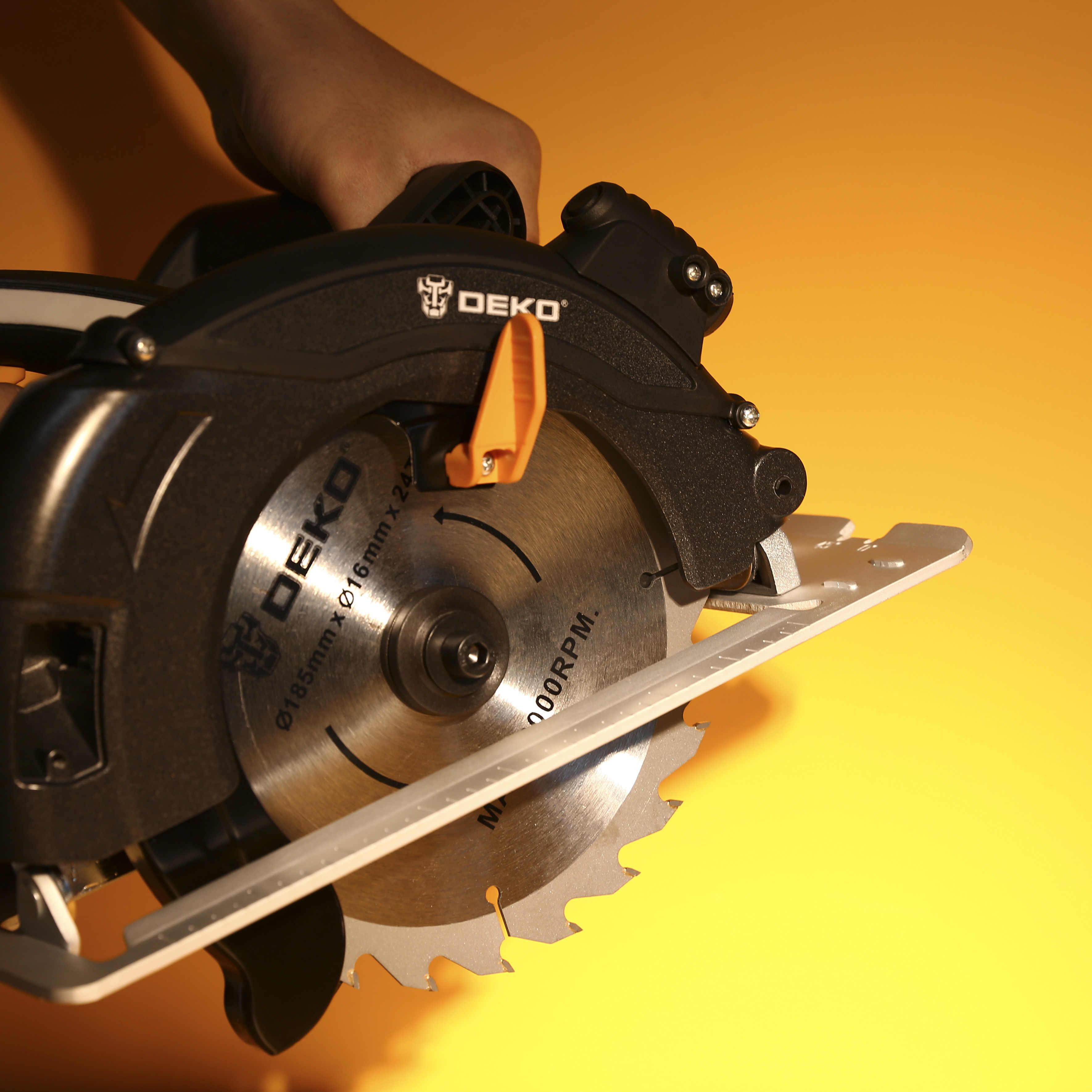 DEKO DKCS1600 מסור עגול כוח כלים עם להב, אבק מעבר, עזר ידית, גבוהה כוח רב פונקציה חיתוך Machin