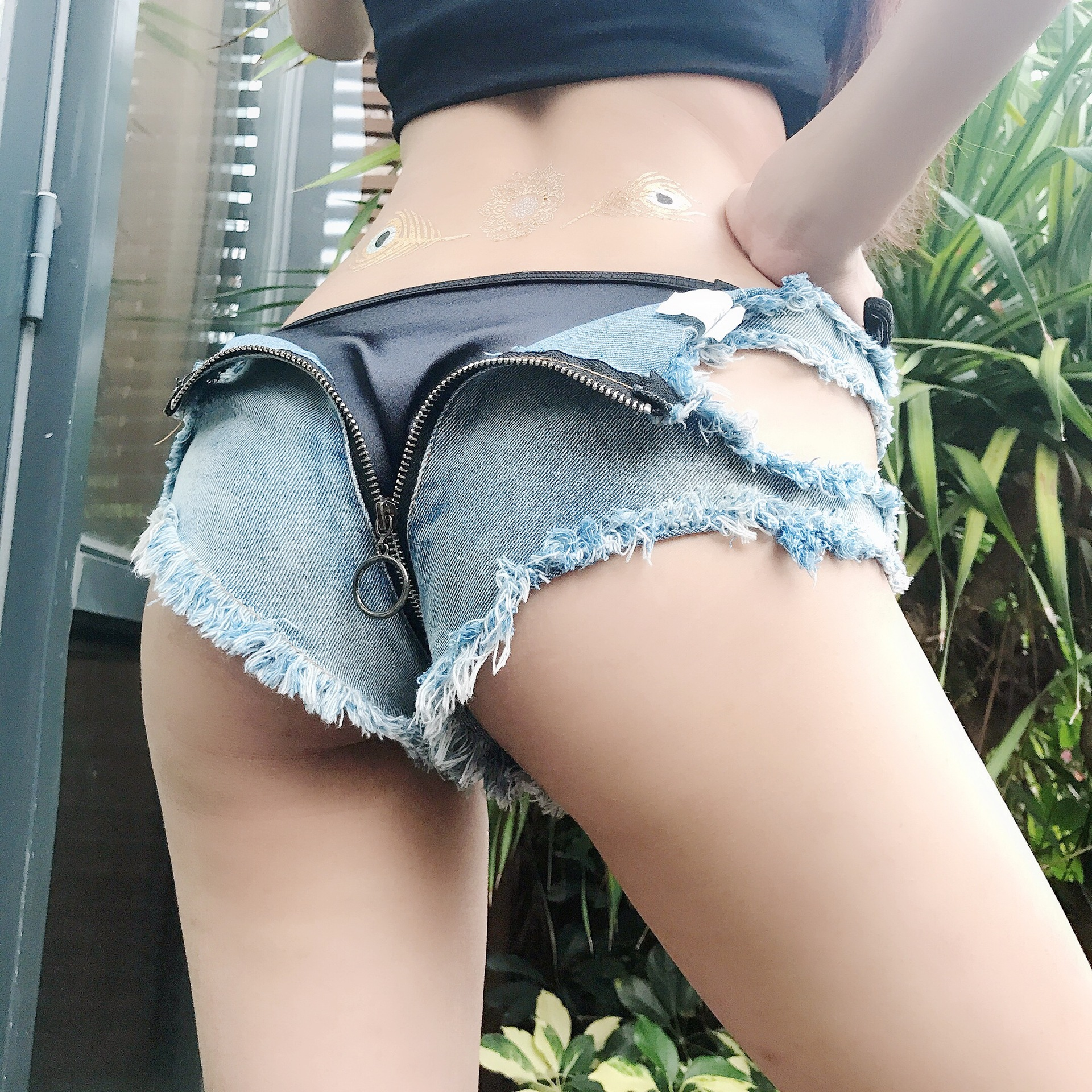 Hot Sale Sexy Shorts Women Summer Sexy Zipper Back Ultra Low Waist Denim Shorts Hollow Out Ripped Holes Jean Short Mini Short
