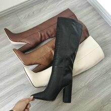 Дизайнерские женские сапоги до колена из искусственной кожи с ремешком; сапоги с острым носком; женские длинные сапоги на массивном высоком каблуке; цвет черный, абрикосовый, коричневый