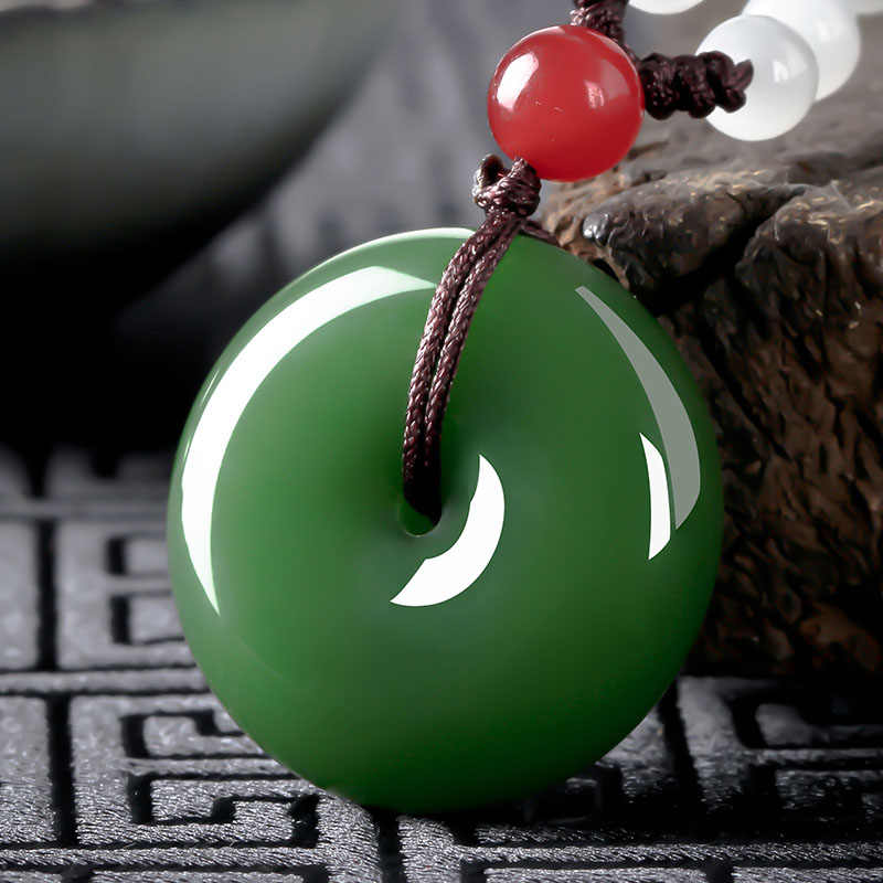 الطبيعية الخضراء Hetian اليشم حجر دونات قلادة الصينية الأبيض الجاديت مجوهرات حلية الريكي تميمة اليد منحوتة هدايا للنساء
