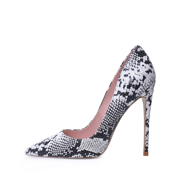 Pointed Toe Shallow Pumps 3