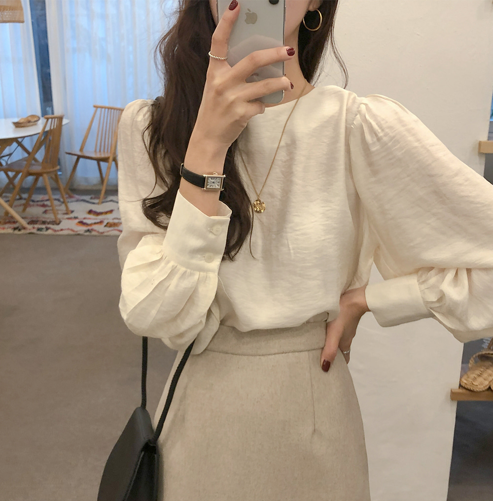 H38e6ecd6b40c4d8aba9db7f7be745bb2F - Spring / Autumn O-Neck Long Puff Sleeves Two-Button Cuffs Loose Solid Blouse