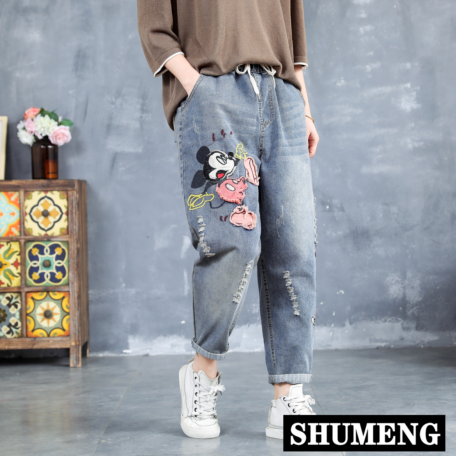 Spring New 2020 Loose Jeans Cute Cartoon Embroidered Baggy Jeans Pants Female Plus Size Hole Ripped Denim Harem Pants