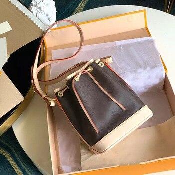 Small broadband one shoulder messenger bag  1