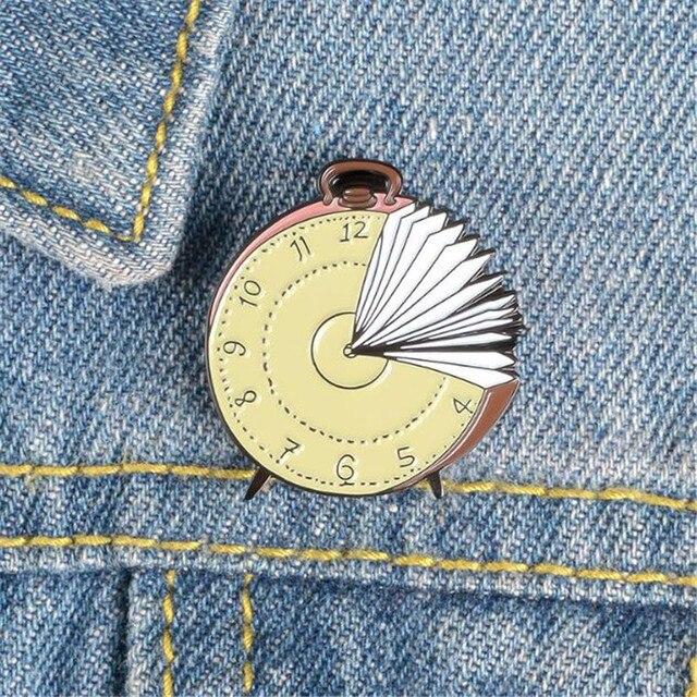 Retro Vinyl Record Brooches Badge Fashion Jacket Shirts Denim Ornament Pins