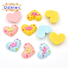 30Pcs/lots 3D Heart Resin Buttons with Crown Decorative Scrapbooking Crafts Ornament DIY Cabochons Accessories