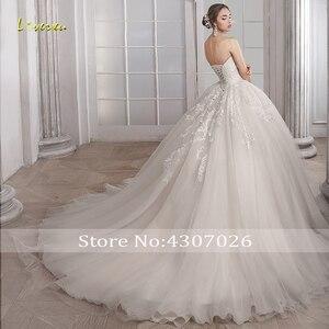 Image 2 - Loverxu Schatz Ballkleid Hochzeit Kleider Elegante Ärmellose Spitze Applique Up Braut Kleider Gericht Zug Brautkleid Plus Größe