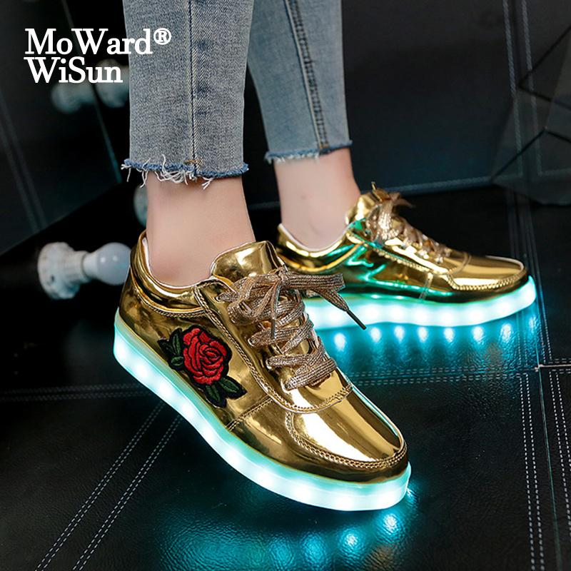 Size 30-43 Luminous Sneakers With Lighted Up Sole Glowing LED Shoes For Kids Boys Girls Women Shoes With Lights Feminino Tenis