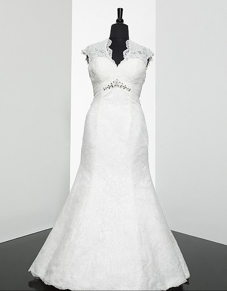 Sneakers Sweetheart Neckline Cap Sleeves Alencon Lace Appliques Beaded Medallion Waist Wraps Gorgeous Keyhole Back Wedding Dress