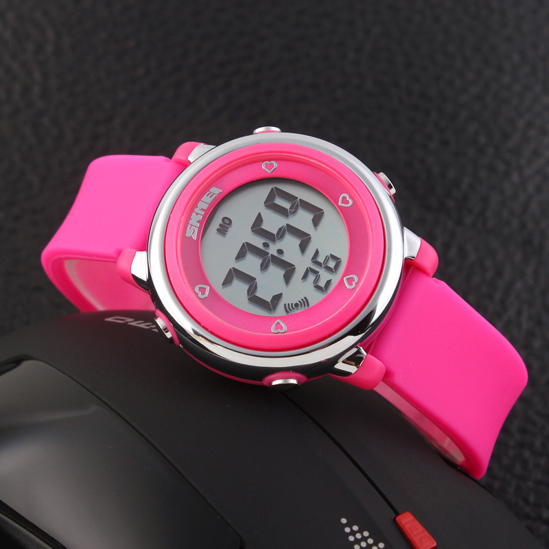 TurnFinger Simple Fashion Children% 27s Electronic Watch Creative Colorful LED Light Water Luxury Best Selling Силикон ремешок