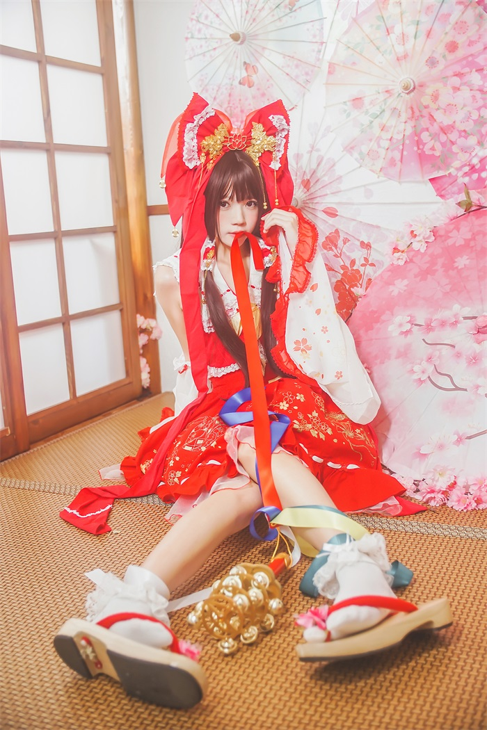 桜桃喵 – 灵梦/新年快乐,萝莉风COS  [45P/553MB]插图(2)
