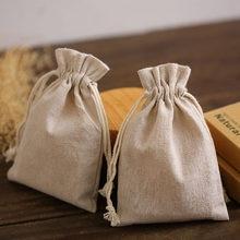 Doğal keten takı hediye keseleri 8x11cm 9x12cm 10x15cm 13x17cm 50 paket özel logo makyaj İpli torbalar