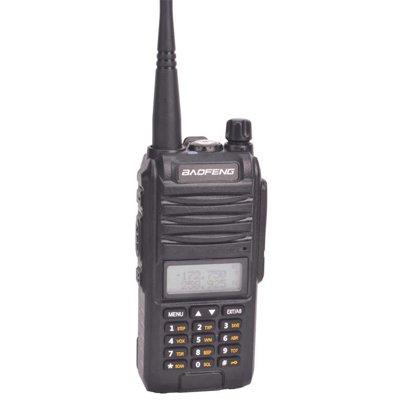 Baofeng tri band walkie talkie BF-A58S 136-174/200-260/400-520MHz tragbare FM Two way radio mit hörer