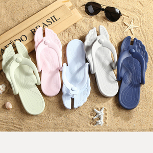 Flat Bottomed Lightweight Sandals New Creative Slippers Summer Foldable Travel Portable Slippers Home Beach Flip Flops