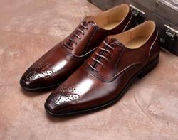 Männer lace-up Ochsen geschnitzt Oxfords Echtem Leder Formale kleid Schuhe Für Mann NEUE partei hochzeit karree schuhe