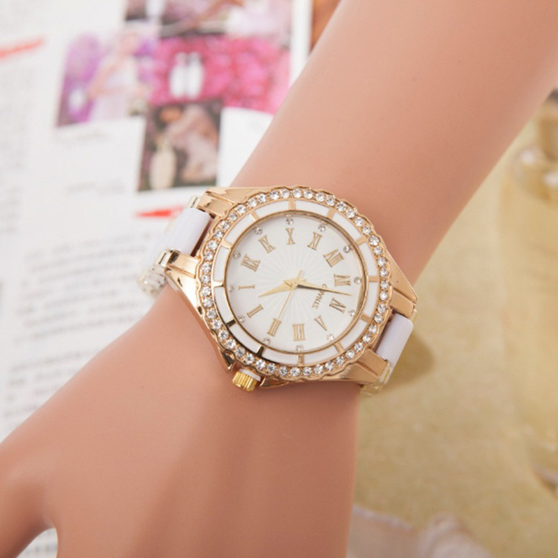 2020 Women Watches Luxury Diamond Quartz Wristwatches For Ladies Fashion Casual Woman Wrist Watch Women Elegant Female Clock