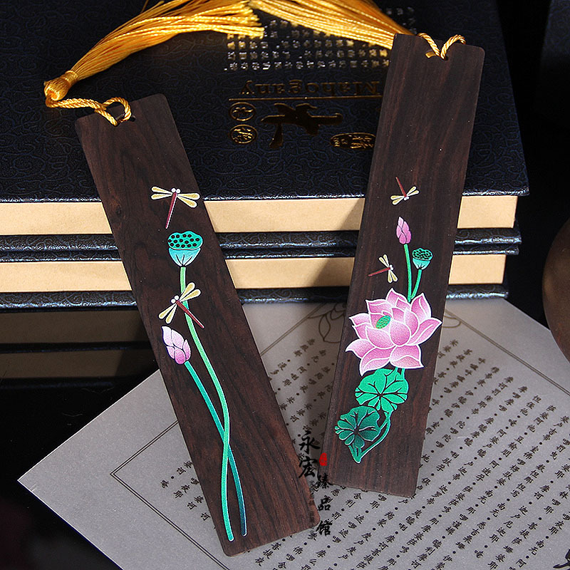 Exquisite Retro Chinese Style Lotus Dragonfly Bookmark Pendant Wooden Book Mark Stationery School Office Supply Papelaria