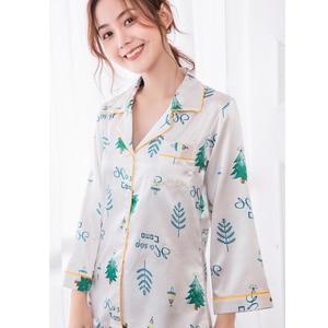 Image 1 - JRMISSLI Frauen Pyjama Sets Druck Pyjamas Frauen Satin Flamingo Nachtwäsche 2019 Frühling Elegante Seide Hause Tragen Mode Pijama Mujer