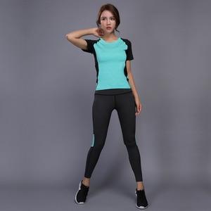 Image 2 - OLOEYER סקסי יוגה סט ספורט ללבוש לנשים כושר TShirt + מכנסיים לנשימה חדר כושר בגדי אימון דחוס יוגה חותלות ספורט חליפה