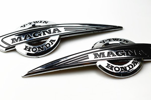 Motorcycle Gas Tank Emblem Badge 3D Decals for Honda MAGNA VF500 VF700 VF750 VF1100 VT250 VF 500 VF 700 VF 750 VF 1100 VT 250(China)