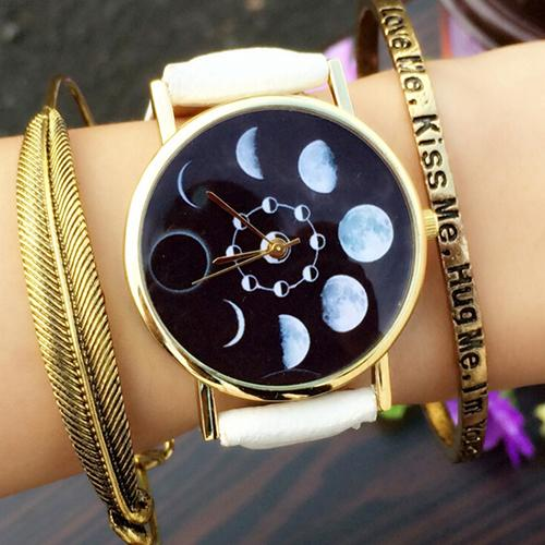 Trendy Men Women Watch Unisex Moon Phase Astronomy Space Watch Round Dial Faux Leather Band Analog Quartz Couple Wrist Watch