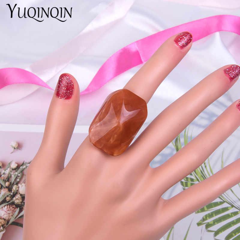 ใหม่มาถึงแฟชั่นเรซิ่นแหวนสำหรับสตรี Design คริลิคที่มีสีสันงานแต่งงานแหวน Punk สไตล์เครื่องประดับจัดส่งฟรี