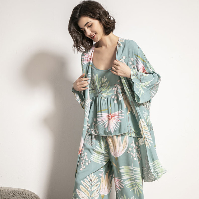 Cotton Viscose Ladies Three-piece Pajamas Set Women Spring and Autumn Comfortable Soft Home Suit Robes with Pants Pajamas Set 3
