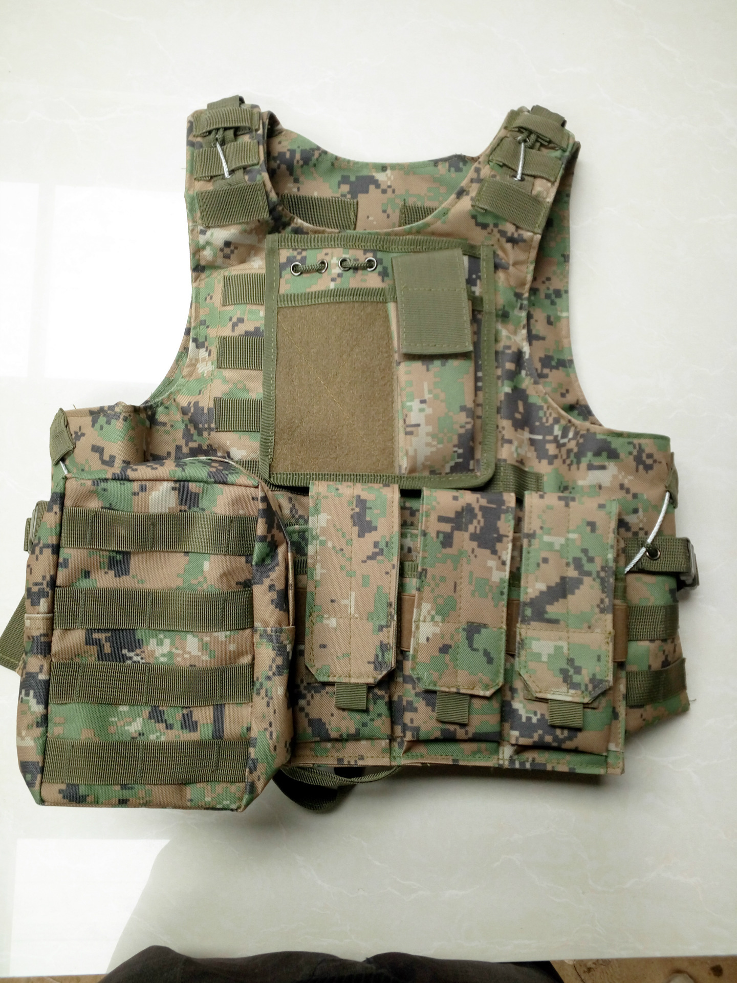 Counter Strike Cosplay Game Equipment Tactical Vest Outdoor Survival Adventure Equipment Python Protective Vest