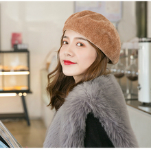 цены на Korean Version of The Ladies Winter Hat New Noble Gorgeous Retro Mushroom Painter Chenille Beret Women Knit Warm Pumpkin Hats  в интернет-магазинах